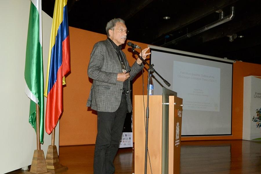 DANIEL PAULY PRESENTA EL GOLT EN EL XV CONGRESO COLOMBIANO DE ICTIOLOGIA